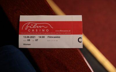 """Nachlese: Filmvorführung WOMAN und Podiumsdiskussion zum Thema """"Gewalt gegen Frauen"""" im Filmcasino"""